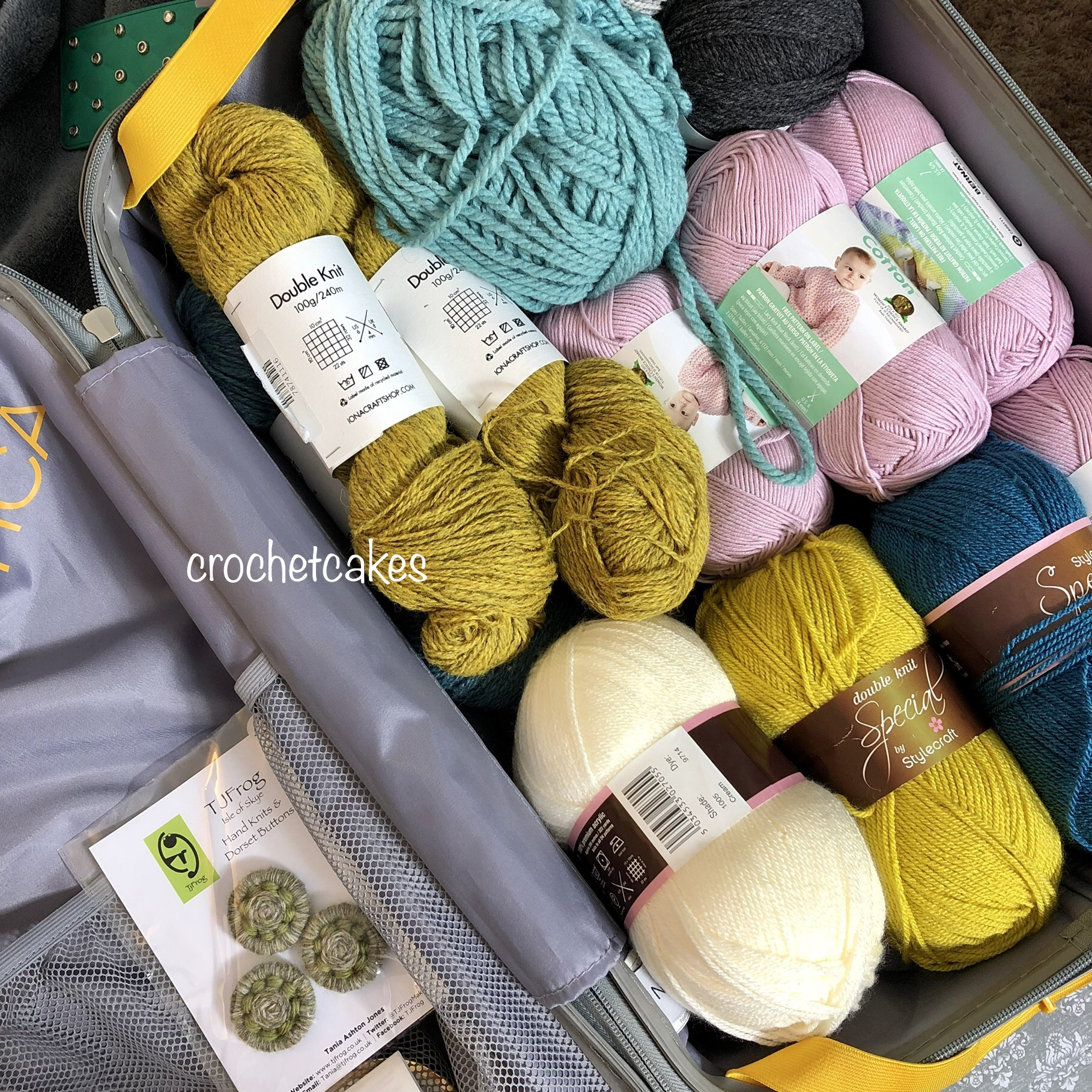 crochet travel essentials
